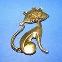 Medál (685/B minta/1 db) - cica , Gyöngy, ékszerkellék,  Fém medál (685/B minta) - cica - antik arany színű  Mérete: 46x30 mm  Az ár 1 darab termékre..., Alkotók boltja