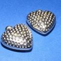 Felületkezelt műanyag medál-7 (pöttyös szív/1 db), Gyöngy, ékszerkellék,  Felületkezelt műanyag medál-7 - pöttyös szív  Mérete: 30x28 mm Az ár 1 db alkatrészre von..., Alkotók boltja
