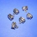 Medálvezető (357. minta/1 db), Gyöngy, ékszerkellék,  Medálvezető (357. minta) - ezüst színben  Mérete: 11x9 mm Az ár 1 db medálvezetőre vonatkozik.  ..., Alkotók boltja