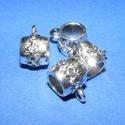 Medálvezető (362. minta/1 db), Gyöngy, ékszerkellék,  Medálvezető (362. minta) - ezüst színben  Mérete: 15x11 mmA furat mérete: 10 mm  Az ár egy d..., Alkotók boltja