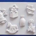 Karácsony-29 - gipszöntő forma (7 motívum) - karácsonyi figurák, Egyéb szerszám, eszköz, Gipszöntés,     Karácsony-29 - karácsonyi gipszöntő forma   7 karácsonyi figura: csengő, maci, hintaló, zsák, g..., Alkotók boltja