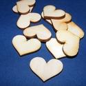 Fa alap (245. minta/1 db) - szív (30x22 mm), Fa, Famegmunkálás, Egyéb fa,  Fa alap (245. minta) - szív  Mérete: 30x22Anyaga: rétegelt lemezAnyagvastagság: 3 mm Az ár egy dar..., Alkotók boltja