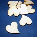 Fa alap (247. minta/1 db) - francia szív (25x27 mm), Fa, Famegmunkálás, Egyéb fa,  Fa alap (247. minta) - francia szív  Mérete: 25x27 mmAnyaga: rétegelt lemezAnyagvastagság: 3 mm Az..., Alkotók boltja