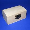 Mini fadoboz (9x6x4,5 cm/1 db) - íves ládikó, Fa,  Mini fadoboz - íves ládikó  Mérete: 9x6x4,5 cmAnyaga: natúr fa, nem pácolt, nem kezelt  Az á..., Alkotók boltja