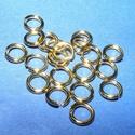Szerelőkarika (1019/F minta/20 db) - 8x1,2 mm, Gyöngy, ékszerkellék,  Szerelőkarika - szimpla (1019/F minta) - arany színben  Mérete: 8x1,2 mm  Az ár 20 db termékre..., Alkotók boltja