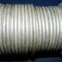 Hasított bőrszíj - 5 mm (20. minta/1 m) - ezüstszürke (AKCIÓS), Vegyes alapanyag, Egyéb alapanyag, Bőrművesség,  Hasított bőrszíj (20. minta) - ezüstszürke - AKCIÓSMérete: 5 mm átmérőjűValódi hasított marhabőrbő..., Alkotók boltja