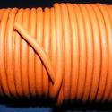 Hasított bőrszíj - 5 mm (12. minta/1 m) - rozsdanarancs, Egyéb alapanyag,  Hasított bőrszíj (12. minta) - rozsdanarancsMérete: 5 mm átmérőjűValódi hasított marhabő..., Alkotók boltja