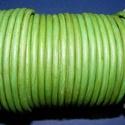Hasított bőrszíj - 5 mm (18. minta/1 m) - fűzöld (AKCIÓS), Vegyes alapanyag, Egyéb alapanyag, Bőrművesség,  Hasított bőrszíj (18. minta) - fűzöld - AKCIÓSMérete: 5 mm átmérőjűValódi hasított marhabőrből kés..., Alkotók boltja