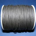 Hasított bőrszíj - 1,5 mm (1. minta/1 m) - fekete, Vegyes alapanyag, Egyéb alapanyag, Bőrművesség,  Hasított bőrszíj (1. minta) - fekete  Mérete: 1,5 mm átmérőjű  Valódi hasított marhabőrből készült..., Alkotók boltja