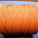 Hasított bőrszíj - 1,5 mm (12. minta/1 m) - rozsdanarancs, Vegyes alapanyag, Egyéb alapanyag, Bőrművesség,  Hasított bőrszíj (12. minta) - rozsdanarancs  Mérete: 1,5 mm átmérőjű  Valódi hasított marhabőrből..., Alkotók boltja
