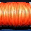 Hasított bőrszíj - 1,5 mm (6. minta/1 m) - narancs (metál), Vegyes alapanyag, Egyéb alapanyag, Bőrművesség,  Hasított bőrszíj (6. minta) - narancs (metál szín)  Mérete: 1,5 mm átmérőjű  Valódi hasított marha..., Alkotók boltja