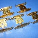 Doboz csat (18. minta/1 db) - arany, Csat, karika, zár,  Doboz csat (18. minta) - arany színben  Mérete: 22x32 mm Az ár egy darab termékre vonatkozik. , Alkotók boltja