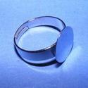 Gyűrű alap (29/B minta/1 db) - ezüst, Gyöngy, ékszerkellék, Ékszerkészítés,  Gyűrű alap (29/B minta) - ezüst színben  Mérete: 18 mm (karika); 12 mm (tárcsa) A karika széless..., Alkotók boltja