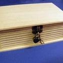 """Könyv alakú fadoboz szív alakú lakattal (19,4x12,4x6,8 cm/1 db), Fa, Famegmunkálás, Egyéb fa,    Könyv alakú fadoboz szív alakú lakattal - 2 kulccsal  """"Titkos"""" dolgokhoz, szív alakú lakattal e..., Alkotók boltja"""