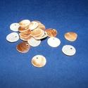 Fúrt kagyló ékszer alap (18. minta/20 db) - barna, Gyöngy, ékszerkellék,  Fúrt kagyló ékszer alap (18. minta) - barna  Az ékszerkészítés dekoratív kiegészítője le..., Alkotók boltja