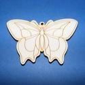 Fa alap (29. minta/1 db) - nagy pillangó, Fa,  Fa alap (29. minta) - nagy pillangó    Mérete: 7x5 cm Anyaga: natúr rétegelt lemezAnyagvastag..., Alkotók boltja