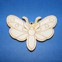 Fa alap (26. minta/1 db) - pillangó, Fa,  Fa alap (26. minta) - pillangó    Mérete: 7x5 cm Anyaga: natúr rétegelt lemezAnyagvastagság:..., Alkotók boltja