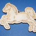 Fa alap (25. minta/1 db) - kicsi ló, Fa, Egyéb fa,  Fa alap (25. minta) - kicsi ló    Mérete: 3x2,5 cmAnyaga: natúr rétegelt lemezAnyagvastagság: 3 ..., Alkotók boltja