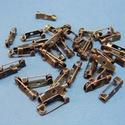 Kitűző alap (396/A minta/1 db) - 15 mm, Gyöngy, ékszerkellék, Ékszerkészítés,  Kitűző alap (396/A minta) - ragasztható, fűzhető, varrható - antik vörösréz színben  Mérete: 15x4x..., Alkotók boltja