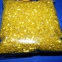 Vágott szalmagyöngy-48 (2x2 mm/100 g) - fényes sárga, Gyöngy, ékszerkellék, Gyöngy,  Vágott szalmagyöngy-48 - fényes - sárga  Anyaga: üvegMérete: 2x2 mmKiszerelés: 100 g Többféle szín..., Alkotók boltja
