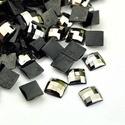 Akrilmozaik-6/A (15 g/csomag) - fekete, Vegyes alapanyag, Mindenmás,  Akrilmozaik-6/A - fekete      Mérete: 5x5x2 mm  A lapocska alsó része ezüst színű védőbevonatt..., Alkotók boltja