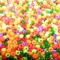 Cseh üveggyöngy-27 (2 mm/10 g) - mix, Gyöngy, ékszerkellék,  Cseh üveggyöngy-27 - mix - matt, átlátszó, gyöngyház fényű vegyesen - különböző színe..., Alkotók boltja