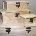 Könyv alakú fadoboz (24x17,5x9 cm/1 db) - nagy, Fa, Egyéb fa,    Könyv alakú fadoboz    Mérete: 24x17,5x9 cmAnyaga: natúr fa    Többféle méretben rendelhető..., Alkotók boltja
