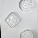 Szappanöntő forma (1. minta/1 db), Vegyes alapanyag, Mindenmás,  Szappanöntő forma (1. minta) - 3 motívum  Mérete: 18x29 cmMinták mérete: 5,5 cm; 6x7 cm  Az ár egy..., Alkotók boltja