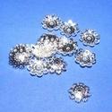 Gyöngykupak (2. minta/10 db) - 10 mm, Egyéb alkatrész, Ékszerkészítés,  Gyöngykupak (2. minta) - ezüst színben  Mérete: 10x2 mm  Az ár 10 darab termékre vonatkozik.  , Alkotók boltja