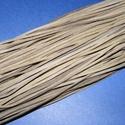 Bőrszíj - 2x1 mm (110. minta/1 db) - olajzöld, Vegyes alapanyag, Egyéb alapanyag, Bőrművesség,  Bőrszíj (110. minta) - olajzöldValódi, puha hasított marhabőrből készült.Nyaklánc alapokhoz és fon..., Alkotók boltja