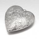 Zárható medál (4 minta/1 db), Gyöngy, ékszerkellék, Ékszerkészítés,  Zárható medál (4 minta/1 db) - szív alakú - ezüst színben - szétnyitható  Mérete: 42x40x10 mmFurat..., Alkotók boltja