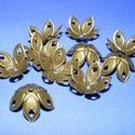 Gyöngykupak (8. minta/4 db) - 18x8 mm, Gyöngy, ékszerkellék, Egyéb alkatrész,  Gyöngykupak (8. minta) - virág kehely - bronz színben  Mérete: 18x8 mm  Az ár 4 darab kehelyre vona..., Alkotók boltja