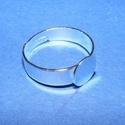 Gyűrű alap (29. minta/1 db), Gyöngy, ékszerkellék, Ékszerkészítés,  Gyűrű alap (29. minta) - ezüst színben  Mérete: 17 mm (karika); 8 mm (fej) A karika szélessége: 5..., Alkotók boltja