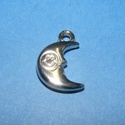 Felületkezelt műanyag medál (K45. minta/1 db) - hold, Vegyes alapanyag, Mindenmás,  Felületkezelt műanyag medál (K45. minta) - hold - ezüst színben  KIFUTÓ TERMÉK!  Mérete: 18x18 mm ..., Alkotók boltja