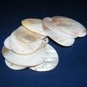 Fúrt kagyló ékszer alap (15. minta/10 db) - fehér, Gyöngy, ékszerkellék,  Fúrt kagyló ékszer alap (15. minta) - fehér - ovális  Az ékszerkészítés dekoratív kiegés..., Alkotók boltja