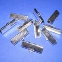 Szalagvég (23. minta/1 db) - 20x8x5 mm, Gyöngy, ékszerkellék, Ékszerkészítés,  Szalagvég (23. minta) - ezüst színben  Mérete: 20x8x5 mm  Az ár egy darab termékre vonatkozik.  , Alkotók boltja