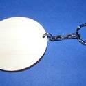 Fa kulcstartó-8 (Ø 55 mm/1 db) - kerek, Fa, Egyéb fa,  Fa kulcstartó-8 - platinum színű láncos kulcstartóval - kerek  Fa alap mérete: Ø 55 mmAnyaga: natú..., Alkotók boltja