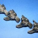 Doboz láb (3. minta/4 db) - 30x22 mm, Csat, karika, zár, Mindenmás,  Doboz láb (3. minta) - antik bronz  Mérete: 30x22 mm  Az ár 4 darab termékre vonatkozik., Alkotók boltja