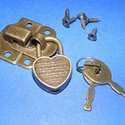 Lakat pánt szív alakú lakattal (1 készlet), Csat, karika, zár,  Lakat pánt szív alakú lakattal (1 készlet) - antik bronz színben  Fa dobozra szerelhető lakat pánt ..., Alkotók boltja
