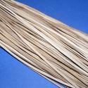 Bőrszíj - 3x1 mm (99. minta/1 db) - drapp, Egyéb alapanyag, Bőrművesség,  Bőrszíj (99. minta) - drappValódi, puha hasított marhabőrből készült.Nyaklánc alapokhoz és fonásho..., Alkotók boltja