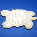 Fa alap (127. minta/1 db) - teknős, Fa, Egyéb fa,  Fa alap (127. minta) - teknős    Mérete: 7,5x4,5 cmAnyaga: natúr rétegelt lemezAnyagvastagság: 3..., Alkotók boltja