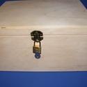 Fadoboz szögletes réz lakattal (28x23x13,5 cm/1 db) - magyar termék, Fa, Famegmunkálás, Egyéb fa,  Fadoboz - magyar termék  Réz lakattal(32x20mm)  Egyterű,rekesz nélkül.  Mérete: 28x23x13,5 cmBelmé..., Alkotók boltja