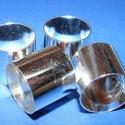 Cső-9 (16x18 mm/1 db), Gyöngy, ékszerkellék, Ékszerkészítés,  Cső-9 - ezüst színben  Mérete: 16x18 mm (belül: 17 mm)  Az ár egy darab termékre vonatkozik.   ..., Alkotók boltja