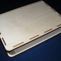 Könyv alakú gravírvágott fadoboz (22x18x4 cm/1 db), Fa, Famegmunkálás, Egyéb fa,  Könyv alakú gravírvágott fadoboz  Mérete: 18x22x4 cmAz anyagvastagság: 3,5 mmAnyaga: rétegelt leme..., Alkotók boltja