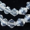 Csiszolt üveggyöngy-32 (6x6 mm/15 db) - színtelen gyémánt, Gyöngy, ékszerkellék,  Csiszolt üveggyöngy-32 - színtelen gyémánt  Mérete: 6x6 mmFurat: 1 mm  Kiszerelés: 15 db/cso..., Alkotók boltja