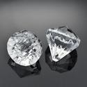 Akril gyöngy-37 (1 db) - átlátszó kristály, Gyöngy, ékszerkellék,    Akril gyöngy-37 - kristály forma - átlátszó   Mérete: 26x25 mmFurat mérete: 3 mm  Az ár 1..., Alkotók boltja