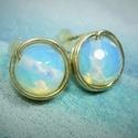 Opalit holdkő bedugós fülbevaló, Ékszer, óra, Ruha, divat, cipő, Fülbevaló, Ékszerkészítés, Egyszerű bedugós fülbevalót készítettem 8mm-es csiszolt opalit  gyöngyből. Kicsi, mindenkinek ajánl..., Meska