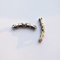 X702, Gyöngy, ékszerkellék, Fém köztesek, Mintázott, lyukacsos ezüst színű fém cső. Méret:7X42mm., Alkotók boltja