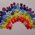 SZIVÁRVÁNY gombcsomag 100 db, Gomb, Műanyag gomb, Gombcsomag a szivárvány színeiben! A csomag 100 db gombot tartalmaz. (a képen szereplő gombokat!)  A..., Alkotók boltja