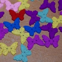 Színes pillangó alakú fa gomb csomag 20db, Gomb, Eladó a képen látható színes, fából készült pillangó alakú gombok. Eredetileg saját részre vásárolta..., Alkotók boltja
